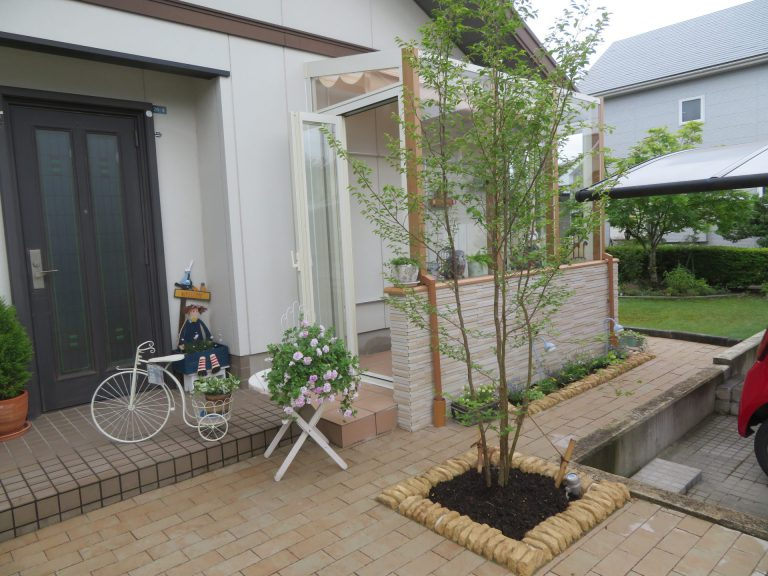 趣味の時間を楽しめるカフェ風ガーデンルームココマ N邸